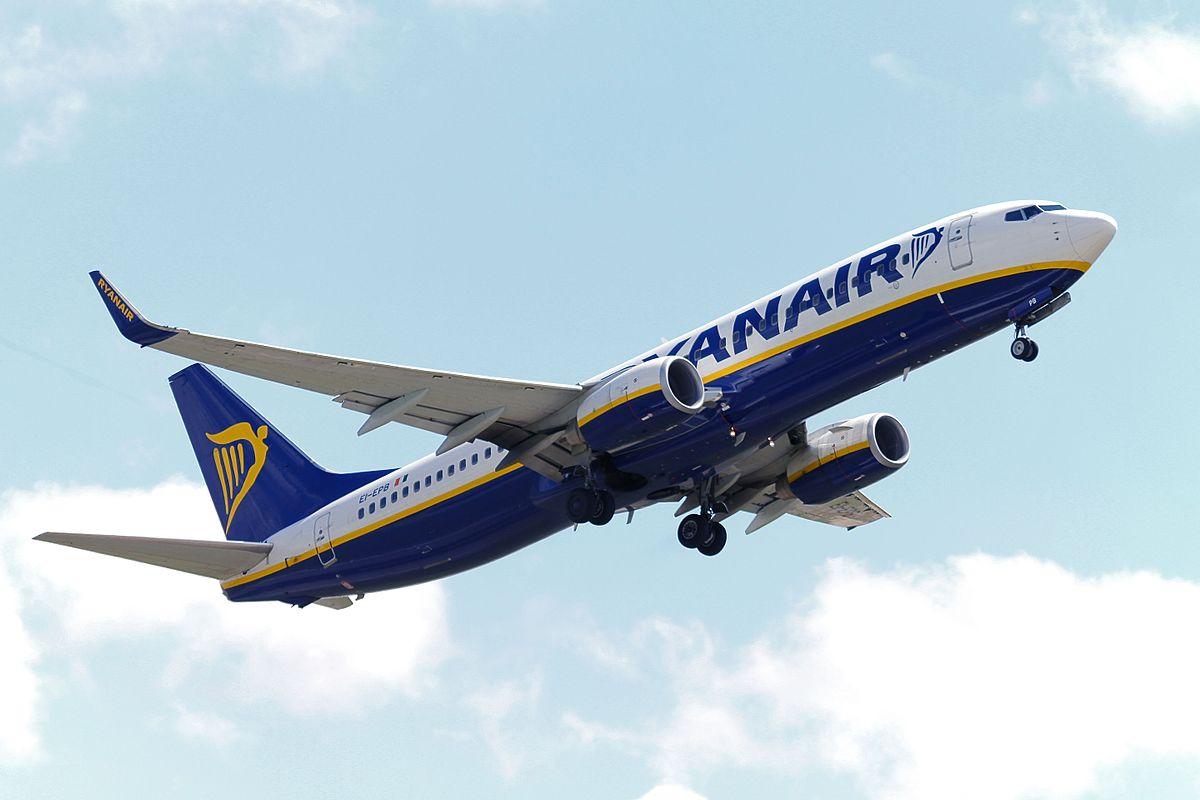 Ryanair Boeing 737 800 EI EPB 19835211941